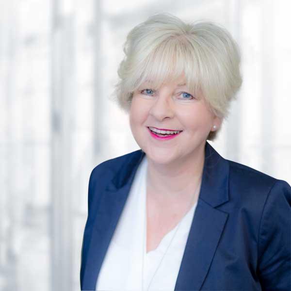 Martina Franzen, Sekretariat