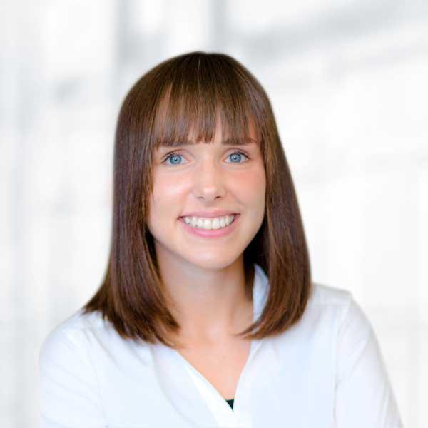 Lena Troschka, Jahresabschlüsse und Steuererklärungen